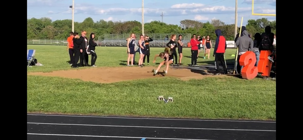 JCMS Track Athletes Qualify for IESA State