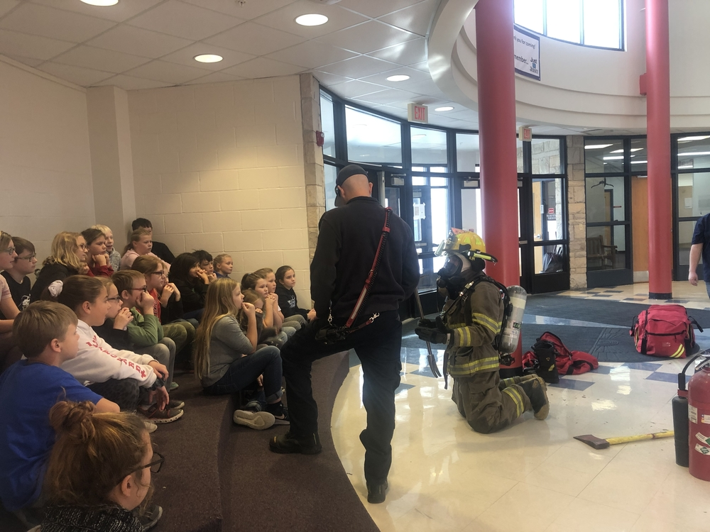 QEM firefighters come to Grafton.Elementary