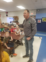 Scott Isringhausen visits East Elementary